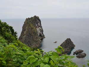 島武居海岸と岩