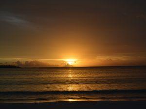 クト湾の夕陽 イル デ パン
