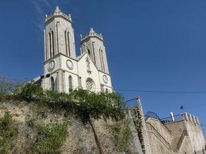 セント ジョセフ大聖堂と階段